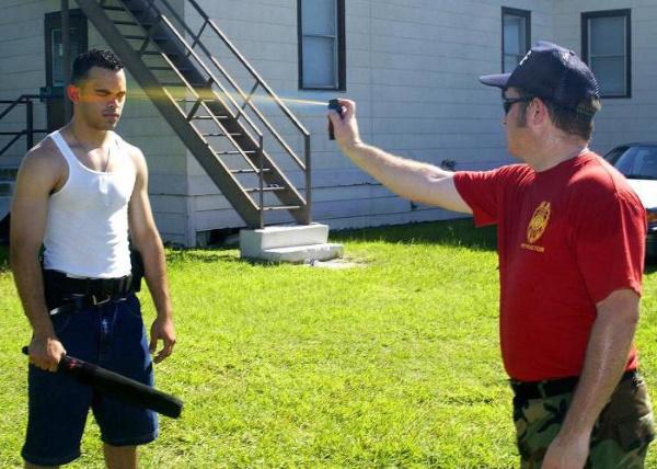 Перцовый баллончик для самообороны, выбор и применение