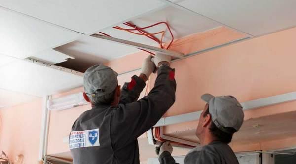 Как установить пожарную сигнализация за подвесным потолком